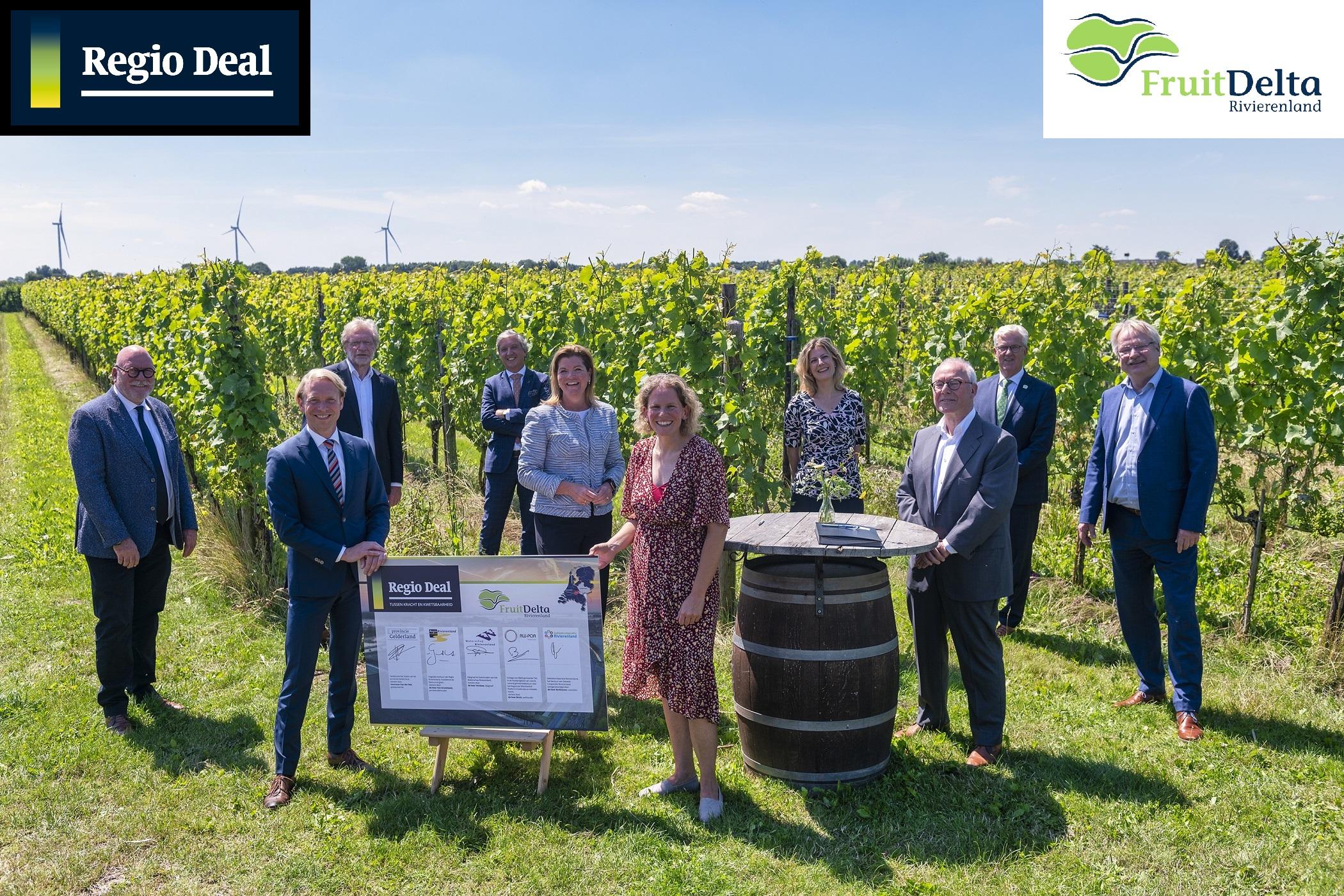 Ondertekening Regio Deal FruitDelta Rivierenland_met logo's